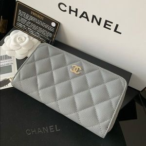 Chanel | Grey Caviar Leather Zip Wallet